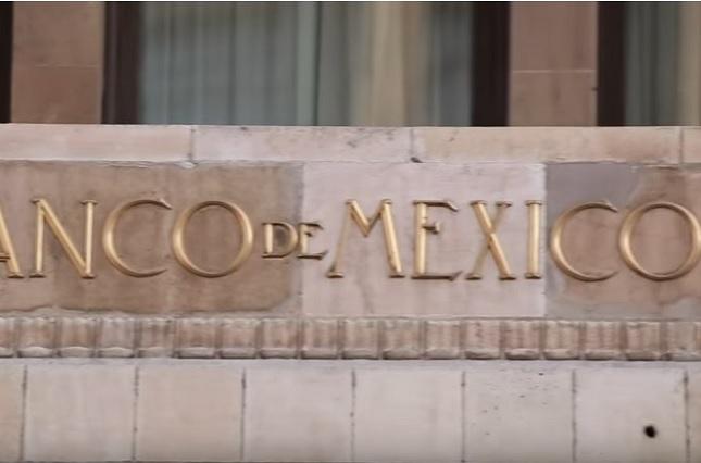Banxico presenta controversia en contra de la ley de remuneraciones
