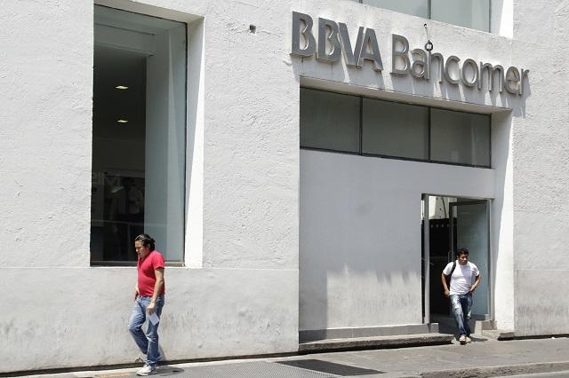BBVA canceló tarjetas de 65 y Más; Sedesol llama a aclarar los casos