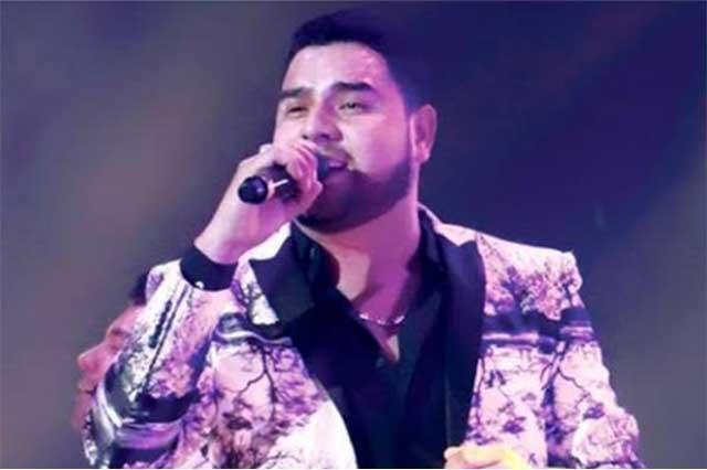Vocalista de Banda MS es dado de alta tras recibir impacto en el cuello