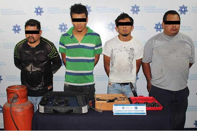 Cae banda dedicada a robo a negocio en el centro de Puebla