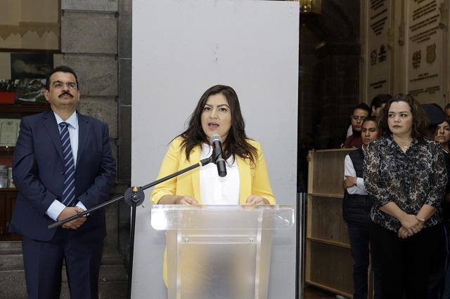 Ofrece Claudia Rivera certeza laboral a los 84 basificados