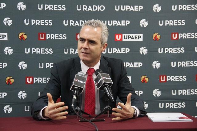 Prepara rector de la Upaep su informe anual en formato digital
