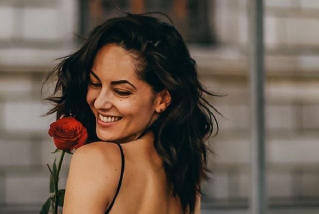 Con foto y mensaje, Bárbara Mori expresa amor por Fernando Rovzar