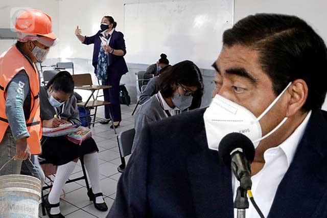 A prisa arreglarán escuelas de Puebla con estudiantes en clase