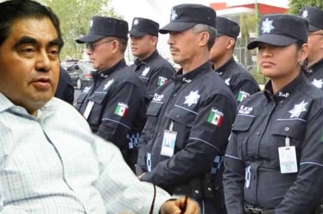 Por decreto, Barbosa se hace del control de seguridad en la capital
