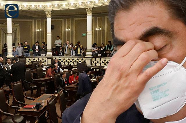 Veta Barbosa por primera vez una reforma del Congreso