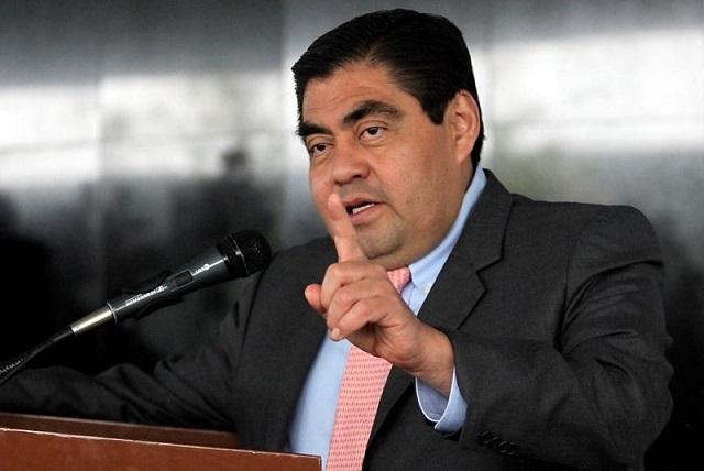 Barbosa: Quieren convertir al PRD en el Partido Verde del PAN