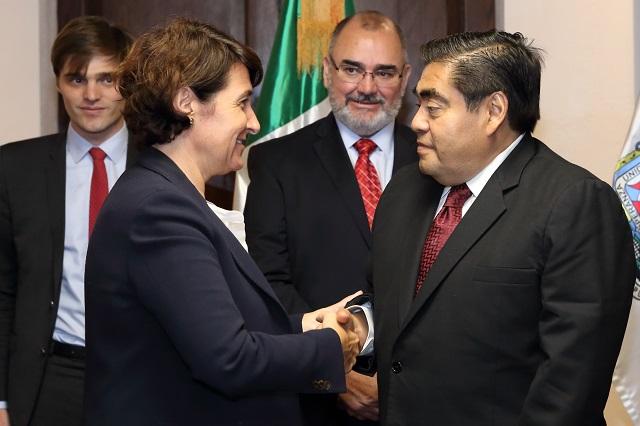 Ofrece Barbosa certidumbre a inversión nacional y extranjera
