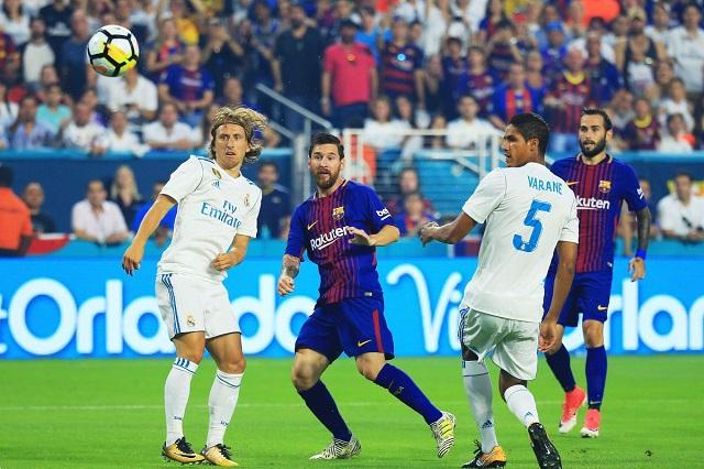 Barcelona golea y opaca año perfecto del Madrid