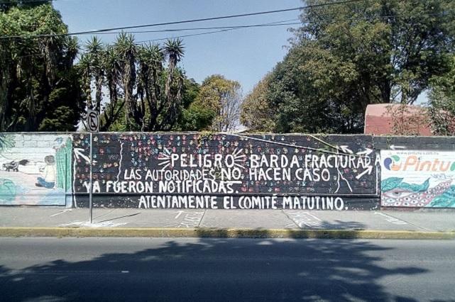 Piden atender barda en escuela dañada por sismo en Puebla