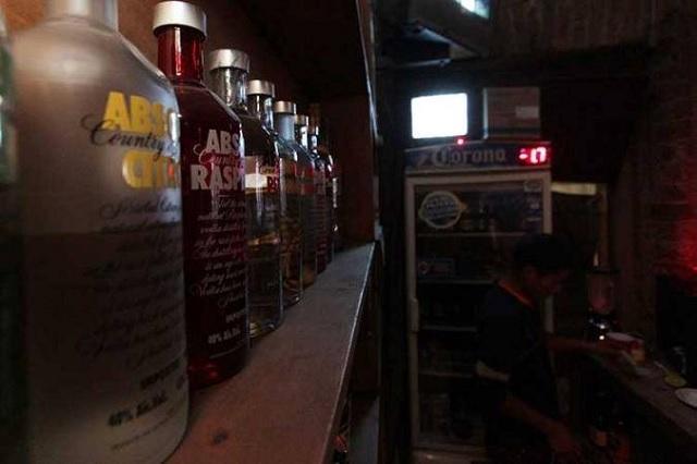 Descuentan 60% de refrendos a dueños de vinaterías y bares en Tehuacán