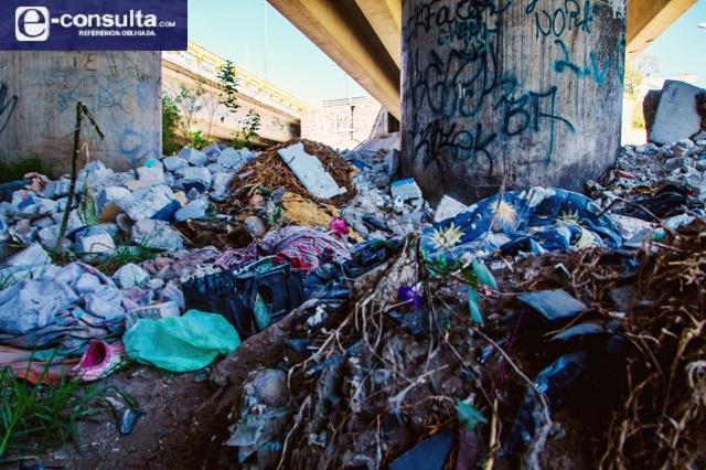 Exceso de cascajo en barrancas de Puebla crea zonas de infección