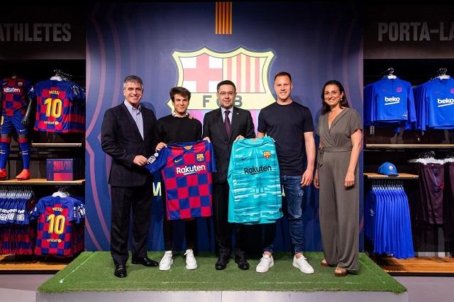 Presentan de manera oficial la nueva camiseta del Barcelona