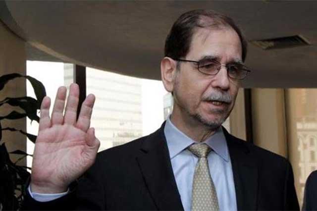 Agustín Basave considera que sus compañeros de partido lo traicionaron
