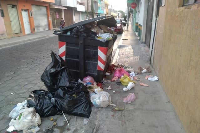 Por bloqueo en relleno de Tehuacán llevan basura a Tepanco de López