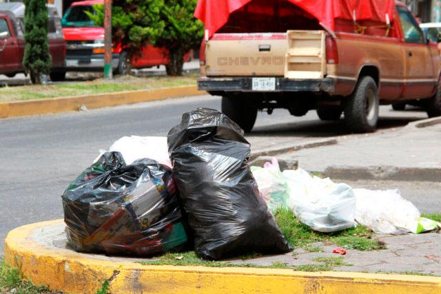 Multaron a 1, 857 ciudadanos por tirar basura donde no debían