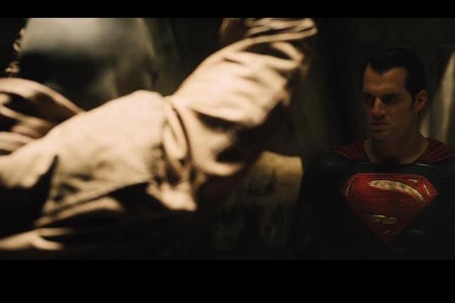 Superman desenmascara a Batman en nuevo teaser