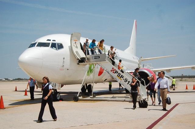 Viva Aerobus ofrece vuelos para rescatistas, paramédicos y víveres