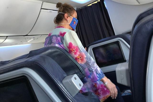 VIDEO: Beatriz Gutiérrez Müller viaja a Cancún en avión de primera clase