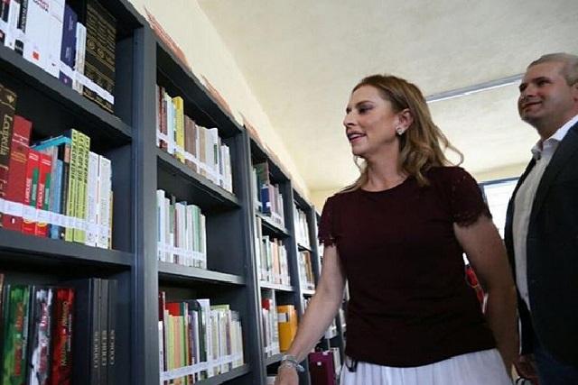 Beatriz Gutiérrez Müller posa junto a Yolanda Andrade y lo presume en redes