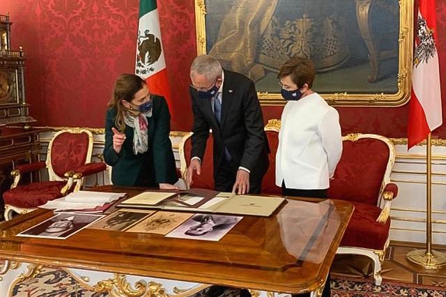 Beatriz Gutiérrez busca traer Penacho de Moctezuma a México