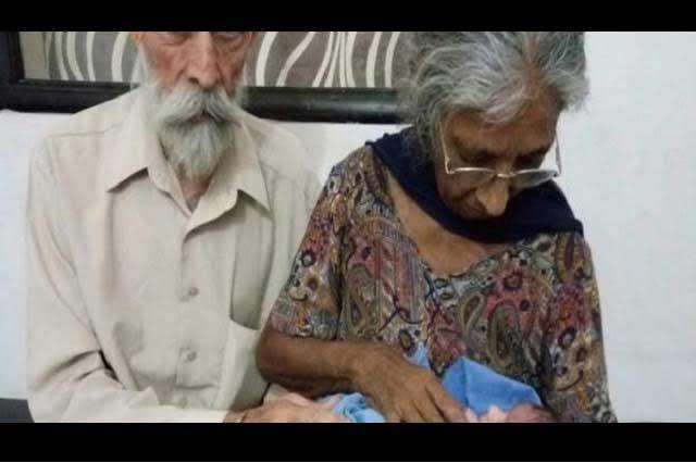 Mujer de más de 70 años se convierte en mamá