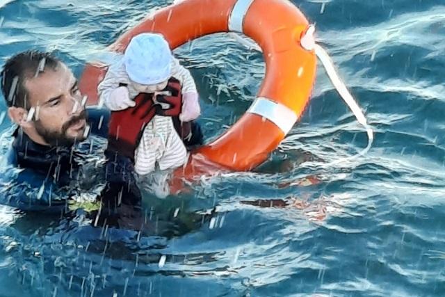 Salvan de morir ahogado a un bebé en costas de España