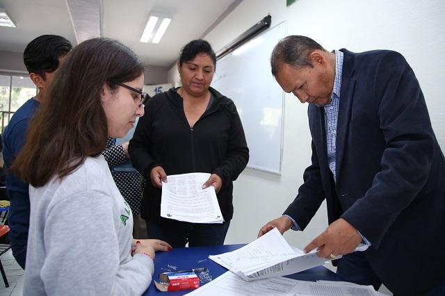 Secretaría de Educación otorga 10 mil becas a en escuelas públicas