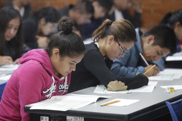 Darán a universitarios beca de 3 mil pesos por Covid en Puebla
