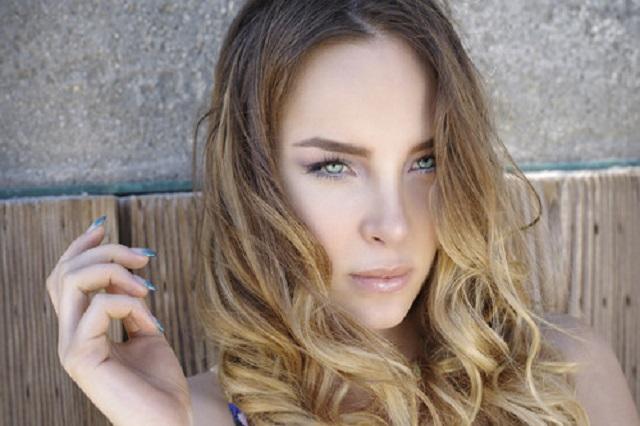Belinda muestra su apoyo a Andrés Manuel en Twitter
