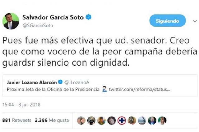Pelean a tuitazos por Belinda, el senador Javier Lozano y periodista
