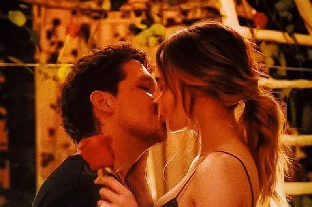 Christian Nodal regresa foto con Belinda y ¿ya se casaron?