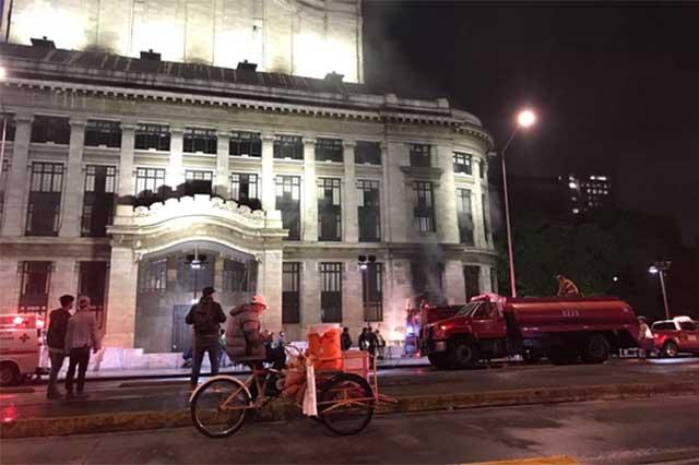 La PGJ capitalina investigará el incendio en el Palacio de Bellas Artes