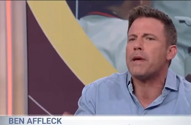Ben Affleck sorprende al hacer entrevista en español
