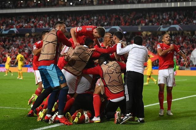 Benfica derrota y humilla al Barcelona en Champions