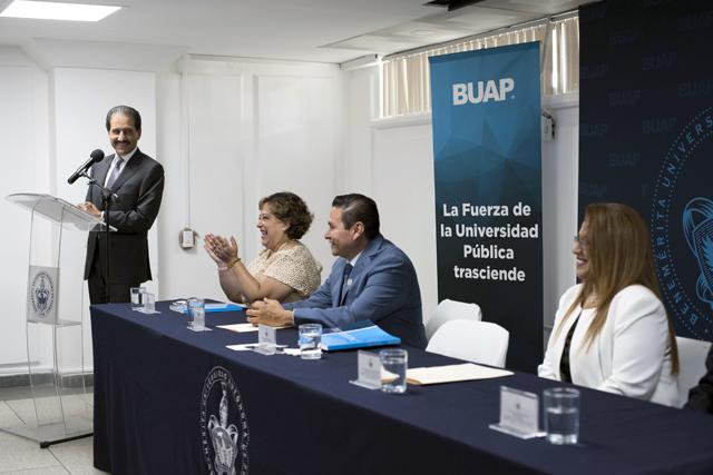 La Prepa Benito Juárez refrenda calidad y vocación social: Esparza