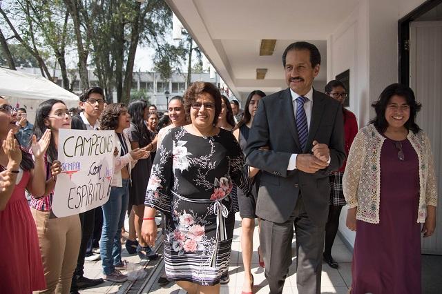 Capacitación de académicos, esencial en preparatoria Juárez: Esparza