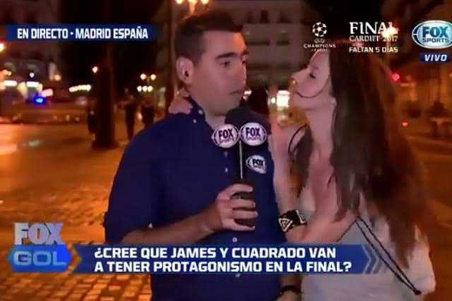 Champions League: Periodista fue besado por hincha italiana en plena transmisión