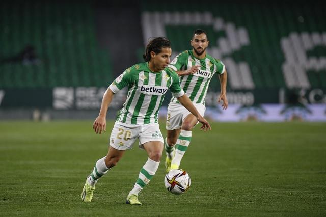 Lainez se afianza la titularidad con Betis y pasan a 4tos en Copa del Rey