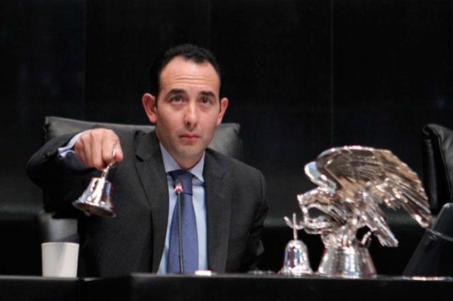 Senado no obstaculiza el Mando Único le revira Roberto Gil a EPN