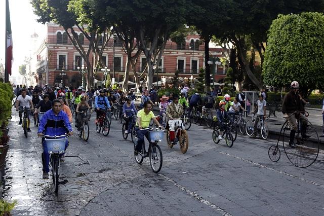 Mega estacionamiento de bicis en terminal Margaritas de RUTA 2