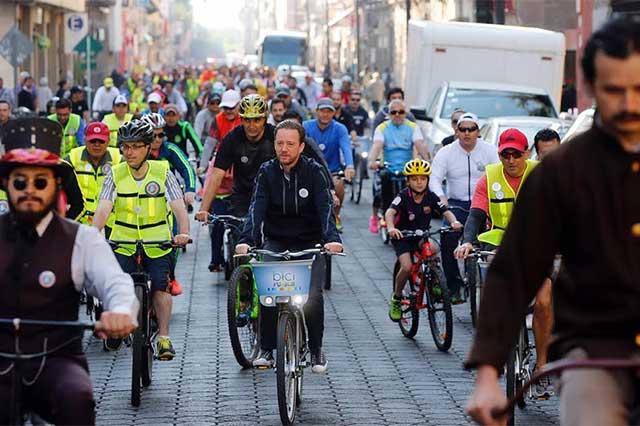 Encabeza Banck rodada familiar por 200 años de la bicicleta