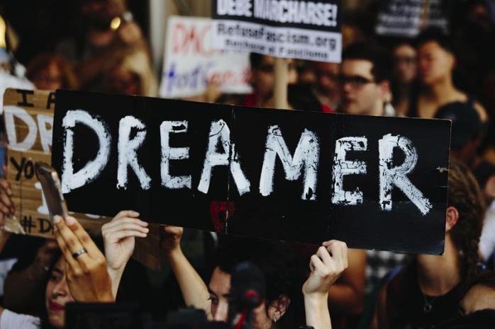 Empresas tecnológicas rechazan la eliminación de programa para dreamers