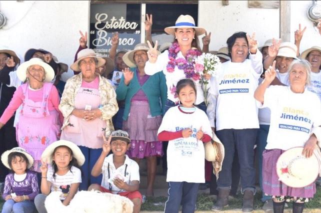 Blanca Jiménez apuesta a digitalizar plazas públicas del distrito 11
