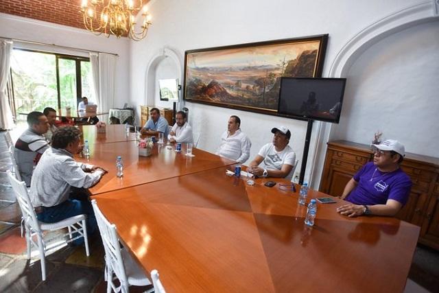 Sin cargo, parientes del Cuau intervienen en gobierno de Morelos