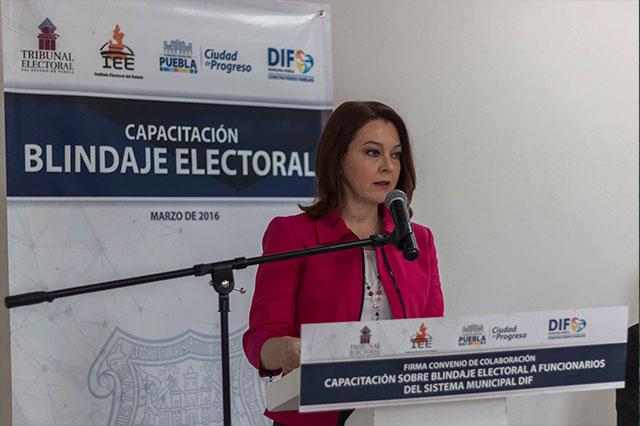 Capacitan a personal del DIF municipal en blindaje electoral