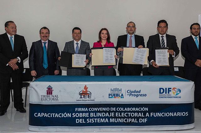 IEE, TEEP y DIF Municipal signan convenio para blindaje electoral