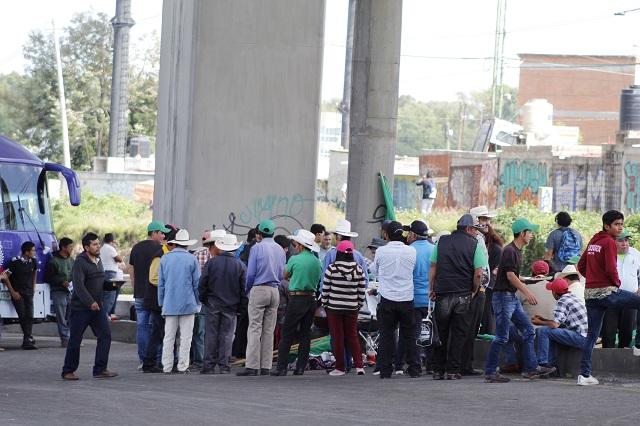 Campesinos poblanos en protesta por asesinatos en Chiapas