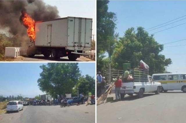 Bloquean vialidades en Michoacán y rechazan presencia de federales