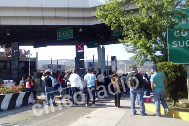 Paro y marcha de la CNTE afectan carreteras en Puebla